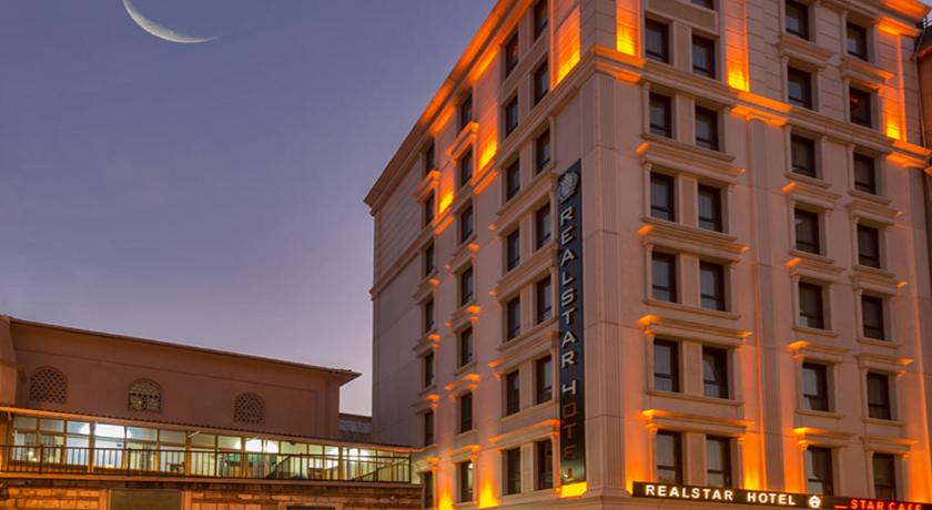 هتل ریل استار Real Star